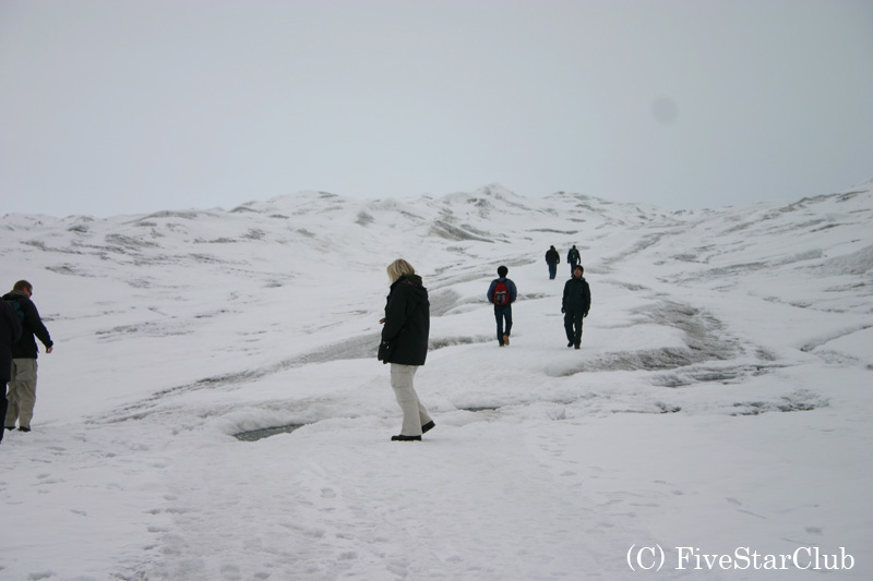 氷帽(氷冠)をミニトレッキング