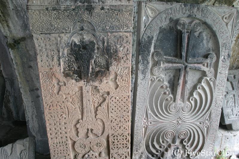 ハチュカル(十字架石)は アルメニア正教の特徴