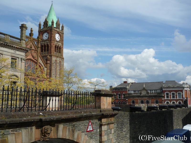 城壁から旧市街を見る