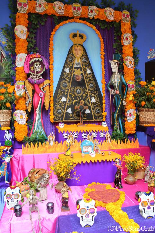 死者の日の祭壇