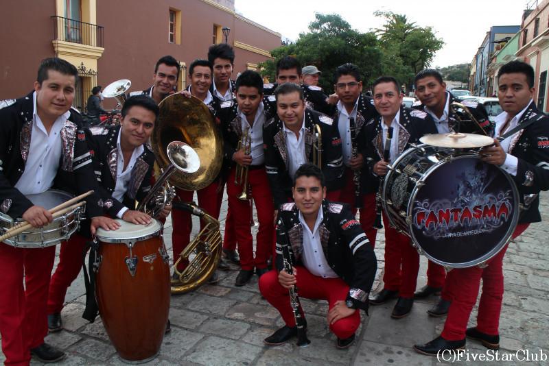 パレードのマーチングバンド