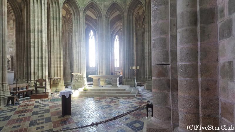 修道院 内部