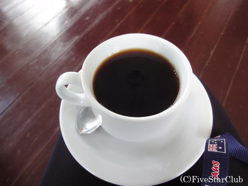 コーヒーを試飲