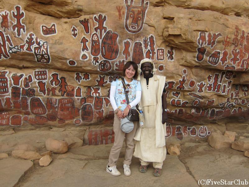ソンゴ村 割礼の壁画にて