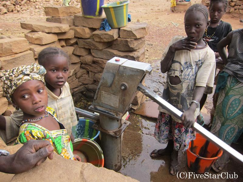 ソンゴ村 日本が作った井戸