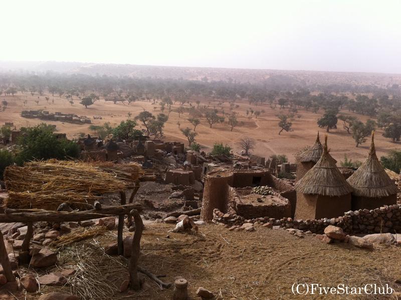 ティレリ村