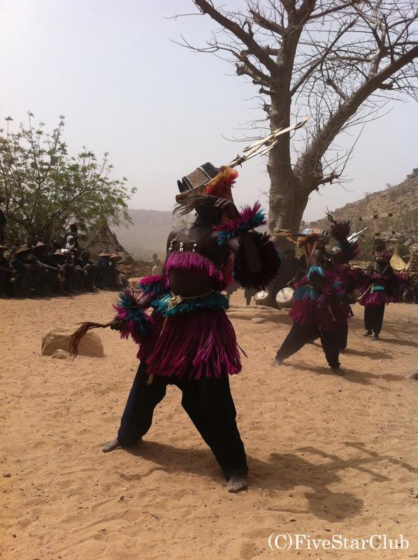 ティレリ村 ドゴン族の踊り