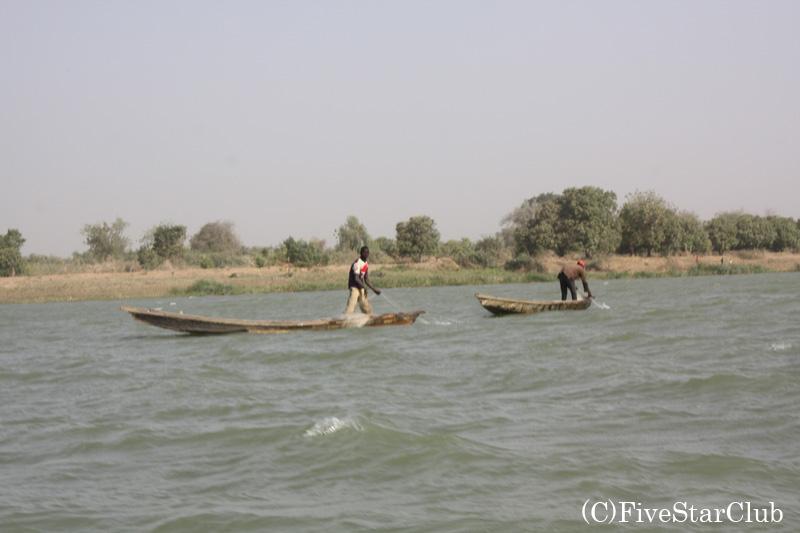 チャド湖へ向かう途中の川