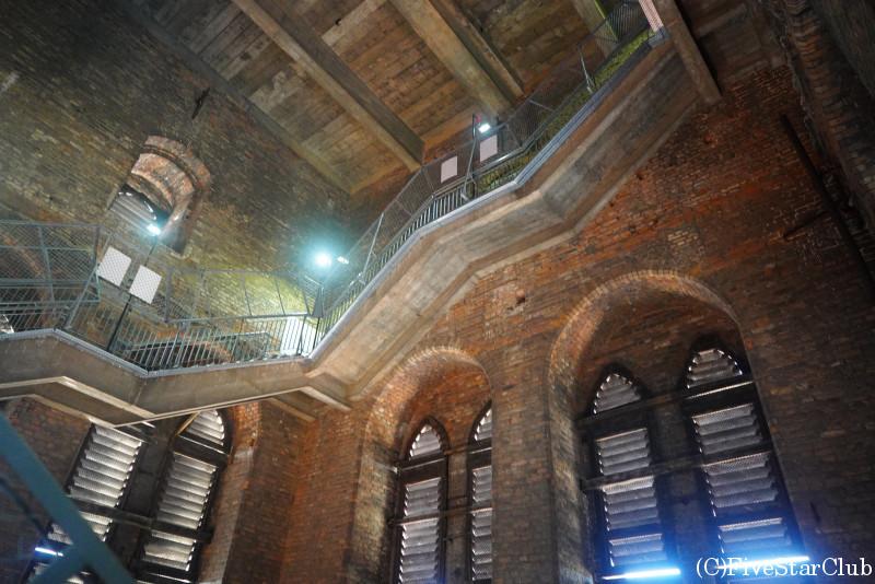 聖母マリア教会 塔まで400段ある階段