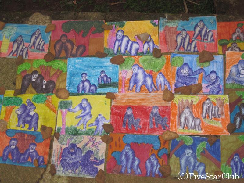 子供たちが描いたゴリラの絵
