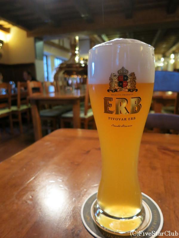 レストランのオリジナルビール「ERB」