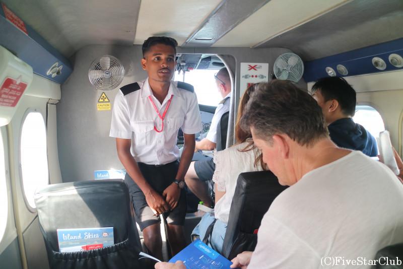 水上飛行機に乗ってリゾート島へ