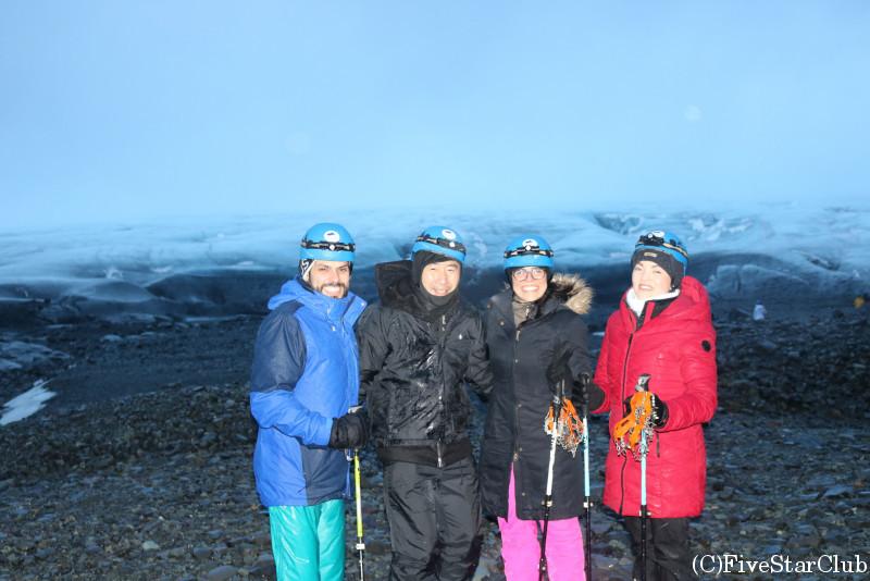 ヴァトナヨークトル氷河ツアーで一緒のアメリカ人と