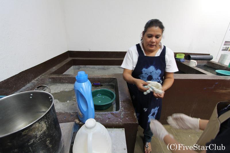 カサブランカ遺跡にある藍染め教室