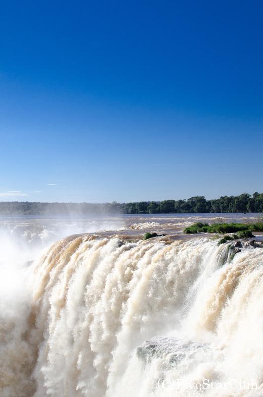 イグアス滝(アルゼンチン側・悪魔の喉笛)