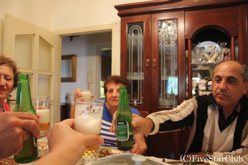 レバノンビールで乾杯