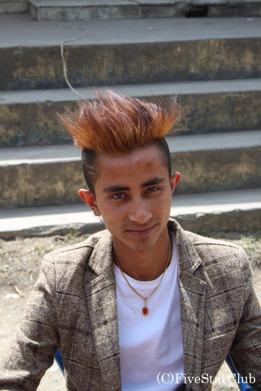 ネパールの流行の髪型?!