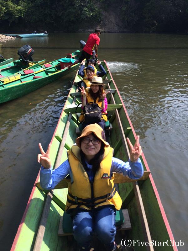 ウル・トゥンブロン国立公園ボート