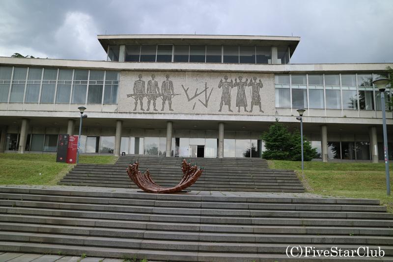 チトー元帥の墓のあるユーゴスラビア歴史博物館