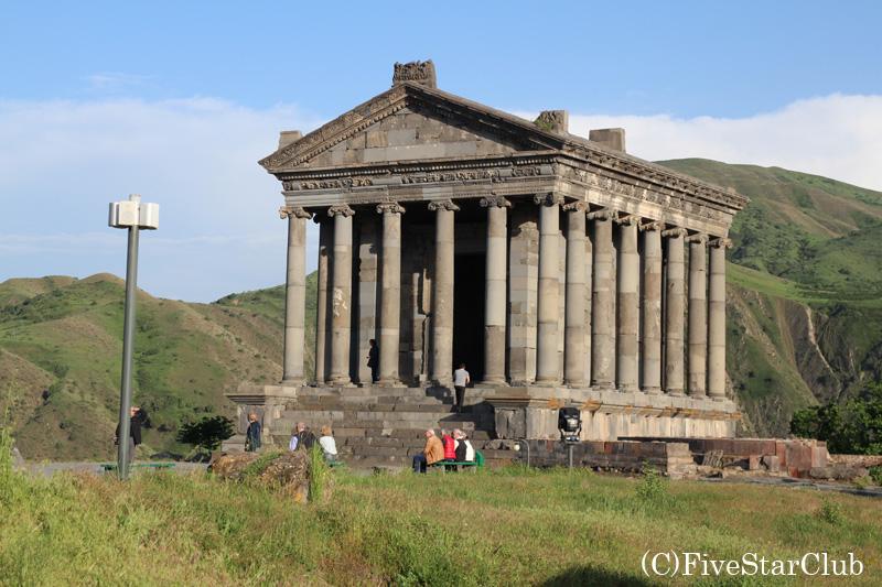 ガルニ神殿