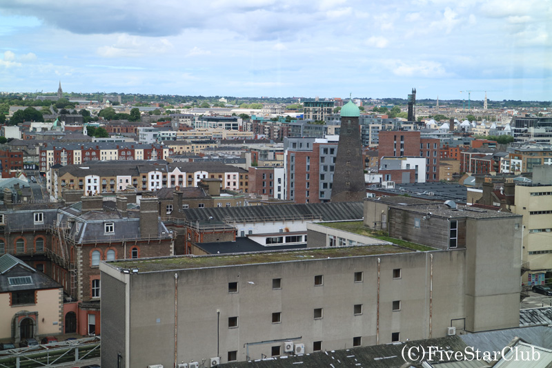 ギネス・ストアハウス バーからのダブリンの眺め