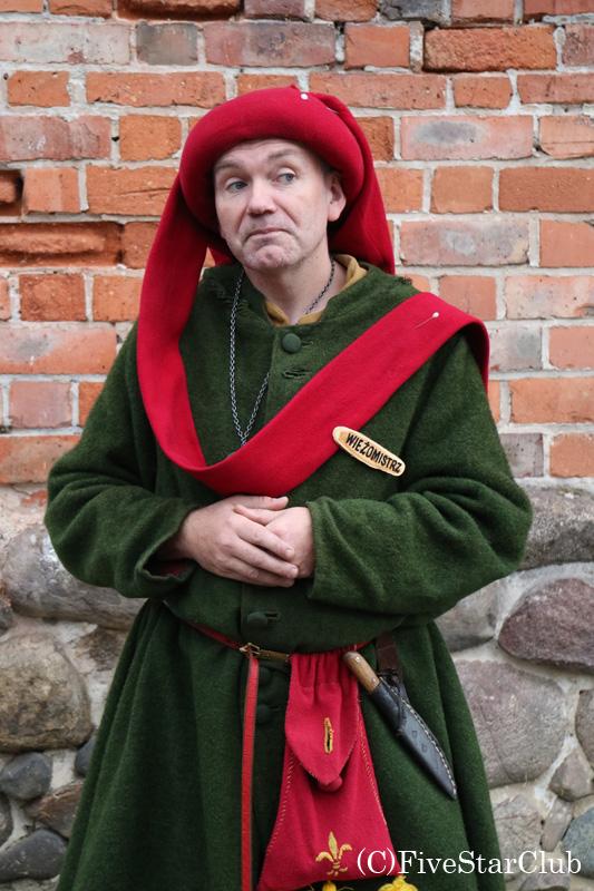 ウニェユフ城のガイドさん