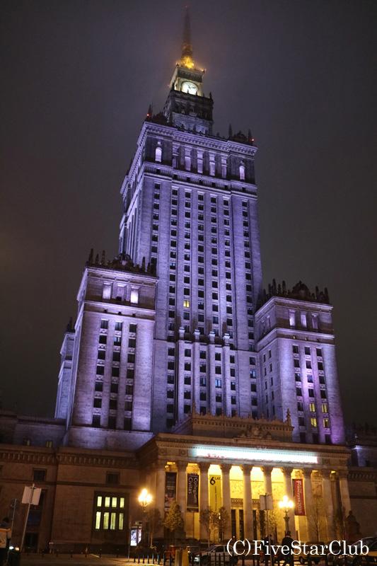 文化科学宮殿のライトアップ