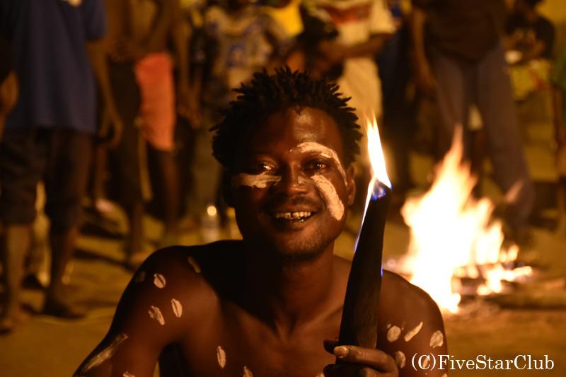 伝統的な炎の儀式