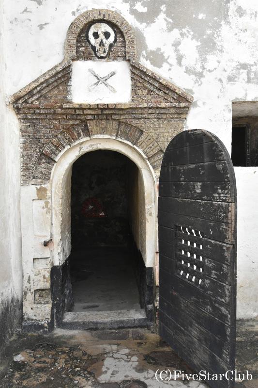 世界遺産エルミナ城 問題のある兵士を閉じ込める部屋