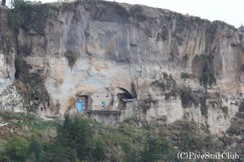 標高約4000mのアブナ・ヨセフ山に位置するアシェトンの聖マリア教会へのトレッキング