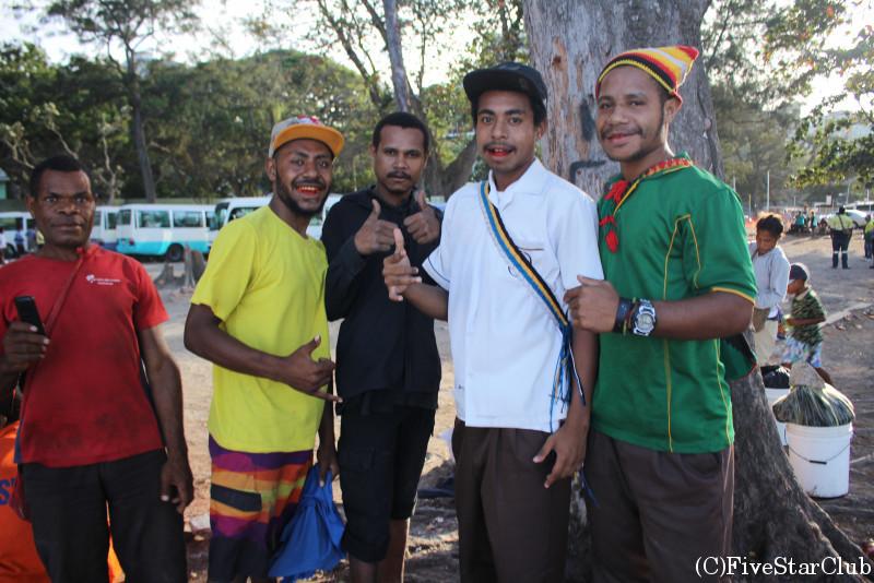 陽気なパプアニューギニア人