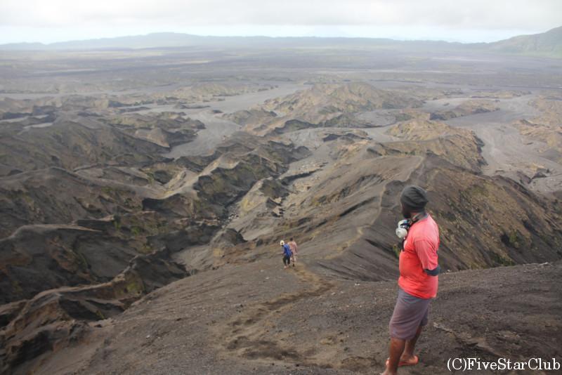 火山トレッキング登山道