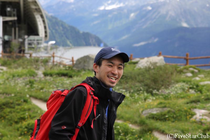 スカイウェイ中継地パヴィオン・デュ・モンフレティにてハイキング