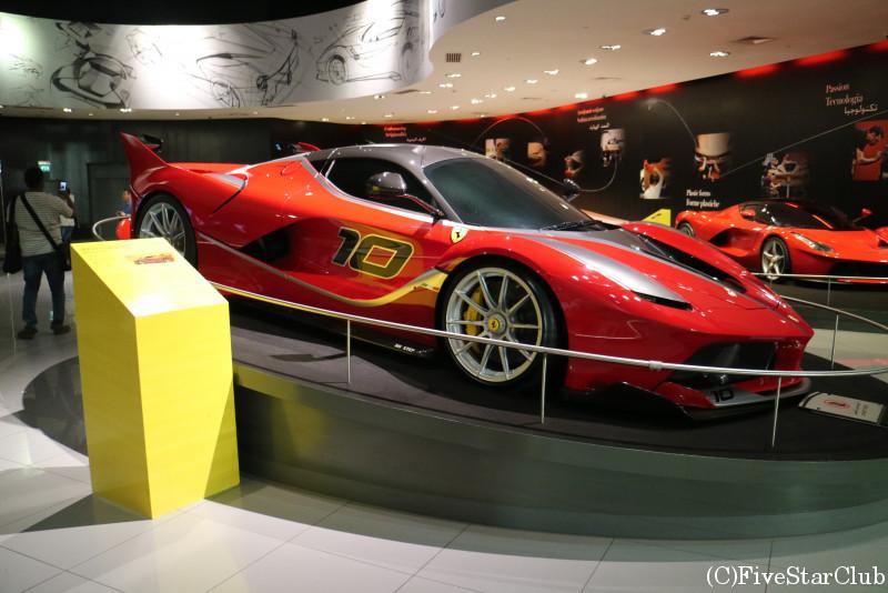 Ferrari World Abu Dhabi/赤い跳ね馬「フェラーリ」