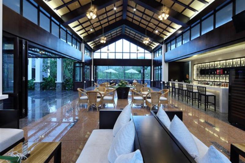鶴川温泉リゾートホテルロビー