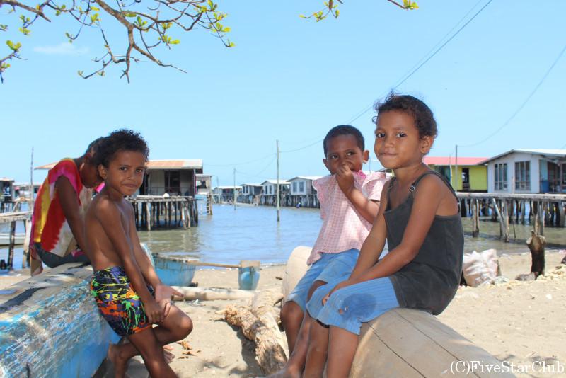 ガバガバ村/村の子供達