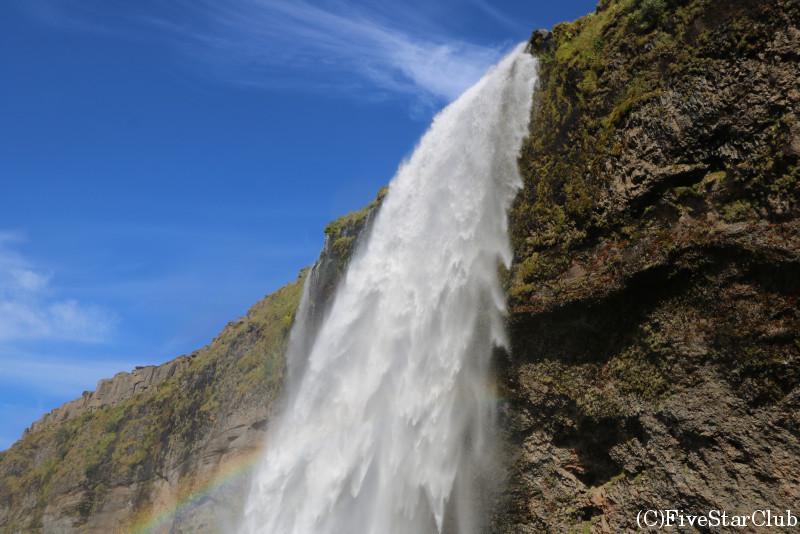 セリャラントスフォス滝/滝の横から