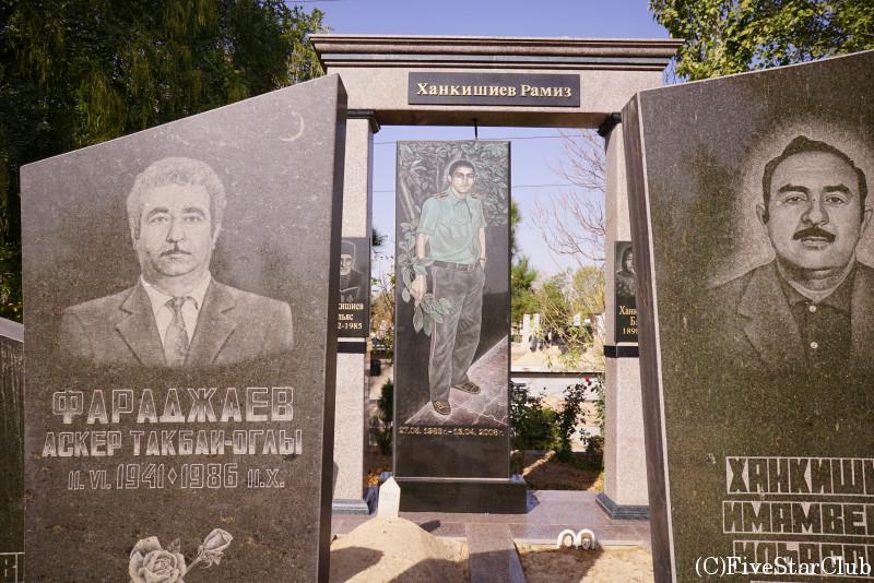 日本人墓地のムスリム墓地 墓石はユニーク