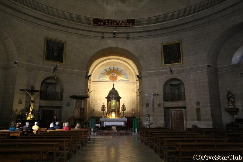 スペインに一つという丸い聖堂