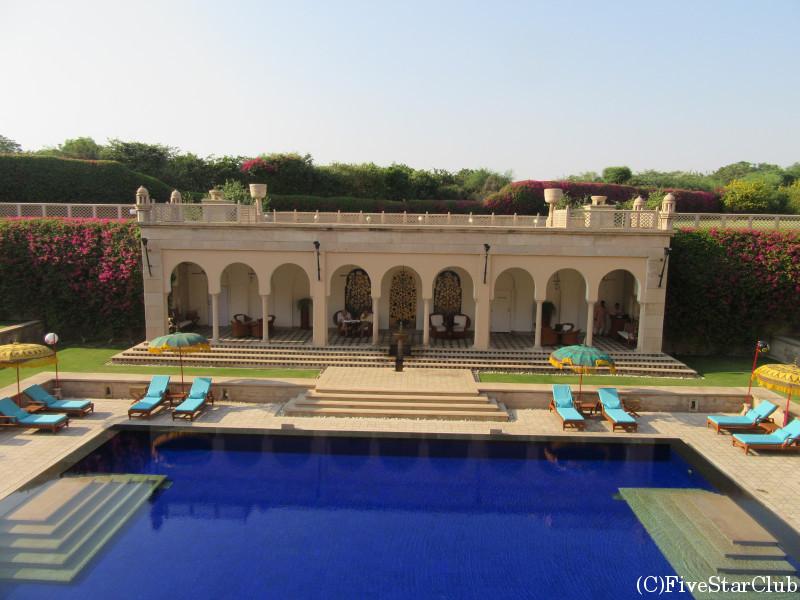 ホテル「AMAR VILAS」 プール