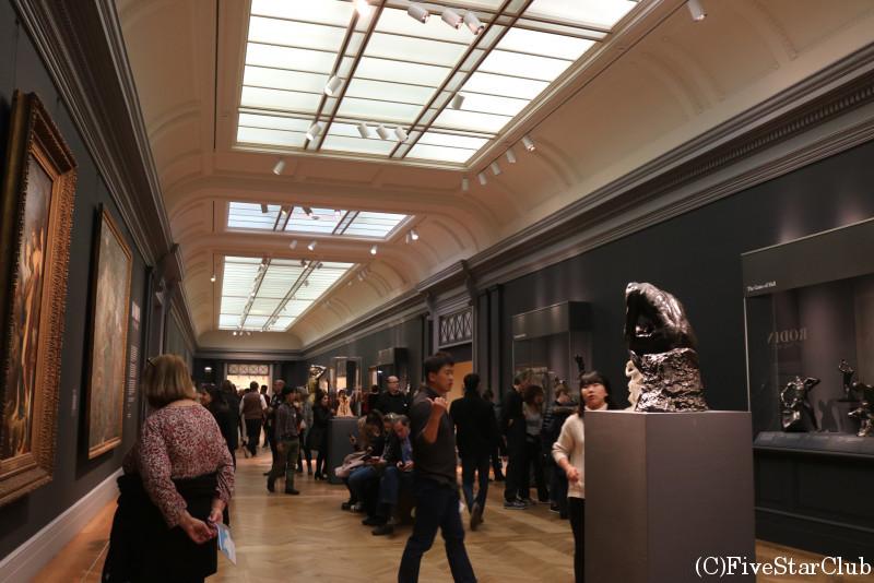 膨大な貯蔵数を誇るメトロポリタン美術館 館内