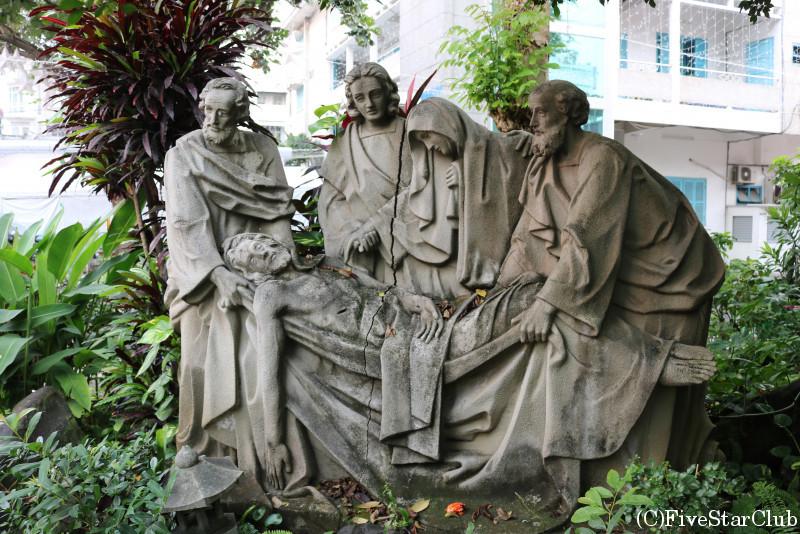 タンディン教会 磔刑までのキリスト像