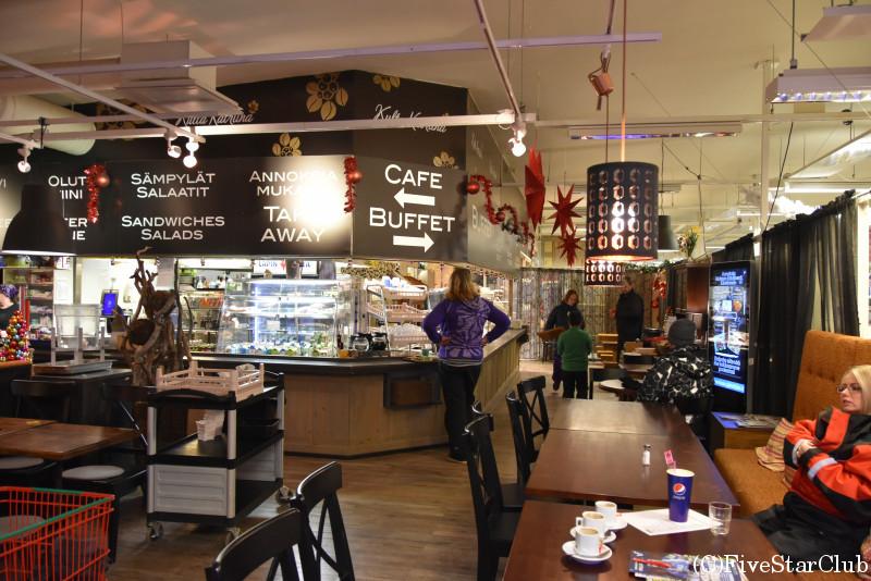 スーパー内のカフェ