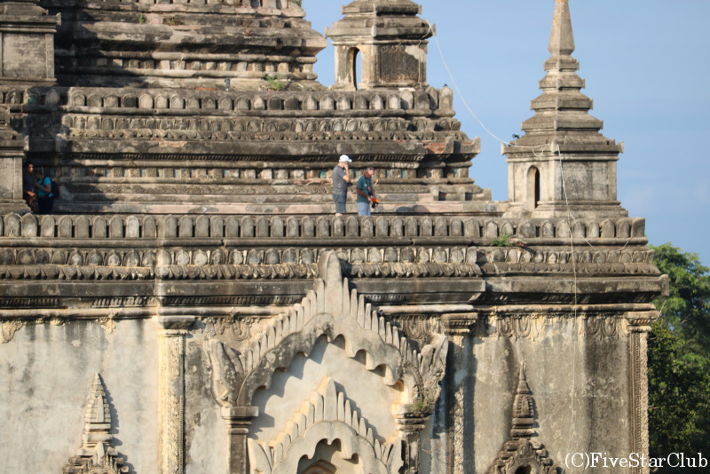 タビィニュ寺院の隣のパヤーからの眺め
