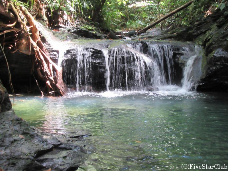 ウル・トゥンブルン国立公園 滝