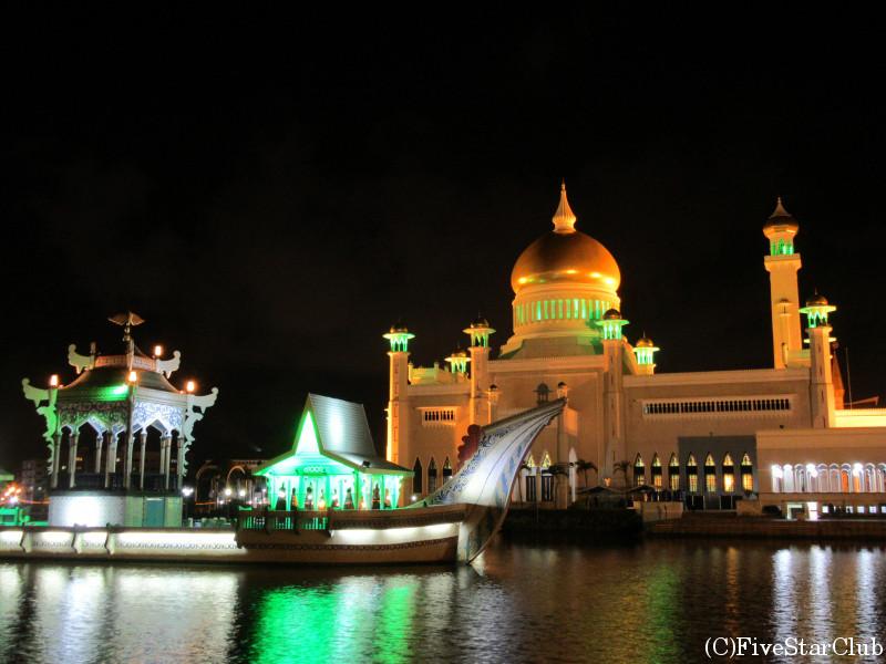 オールドモスクのライトアップ