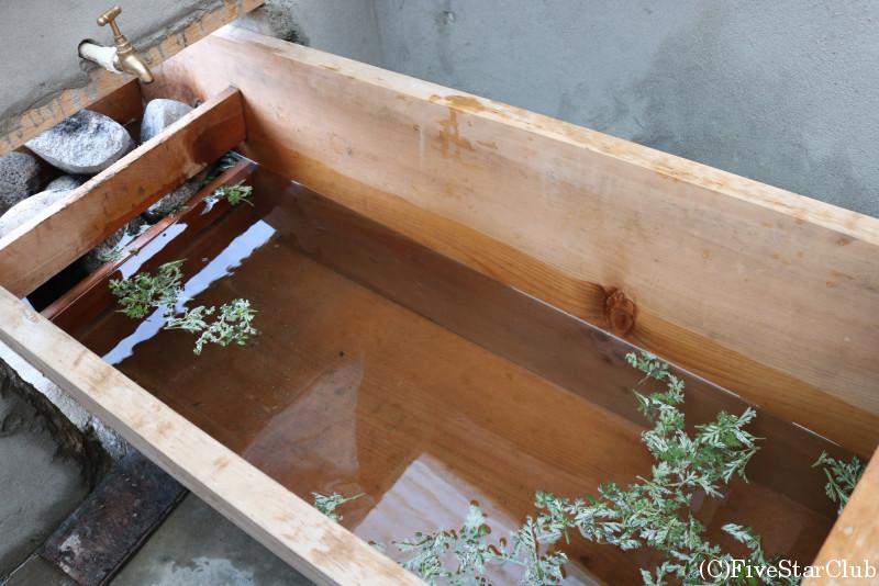 ドツォ(ブータン式ヨモギ風呂)