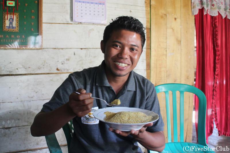ルテンの伝統的おやつ、トウモロコシの粉