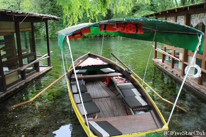 ドゥルミの泉のボートクルーズ