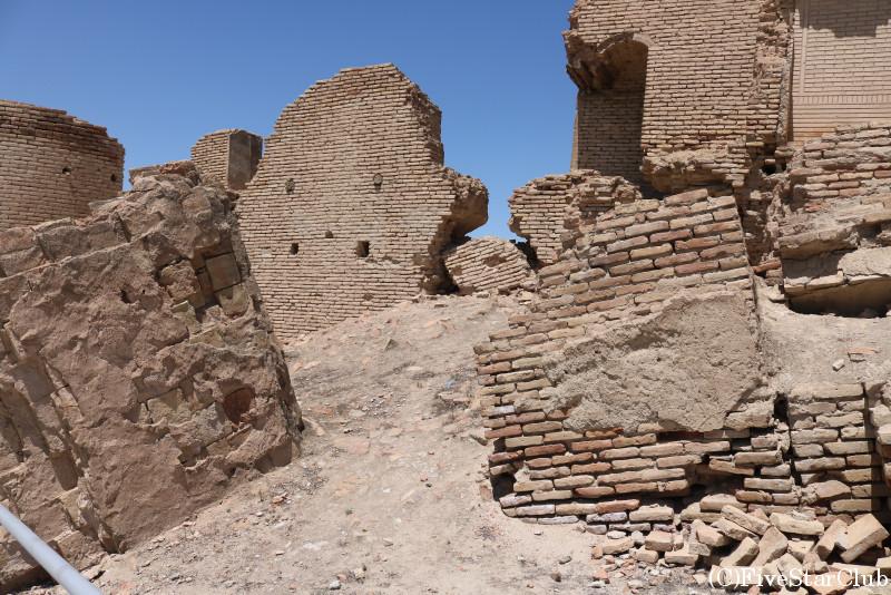 15世紀の城塞都市跡アナウ